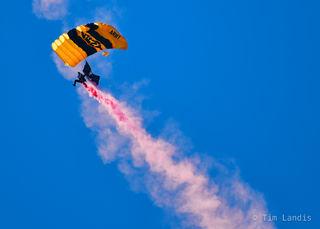 chemtrails, parachute