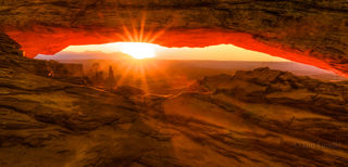 Canyonlands, Mesa Arch, arches, dawn, hoodoo, islands in the sky, slick rock, sunrise, wash women rock