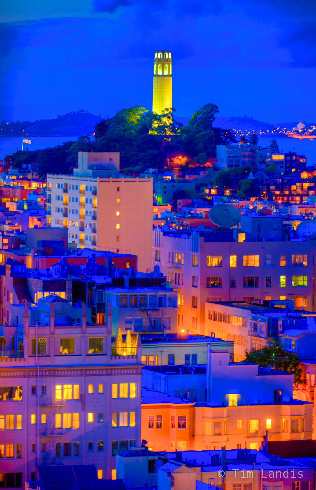 Calif, Coit Tower, Coit Tower after the sunsets, SF, and the lights come up in the city, photo