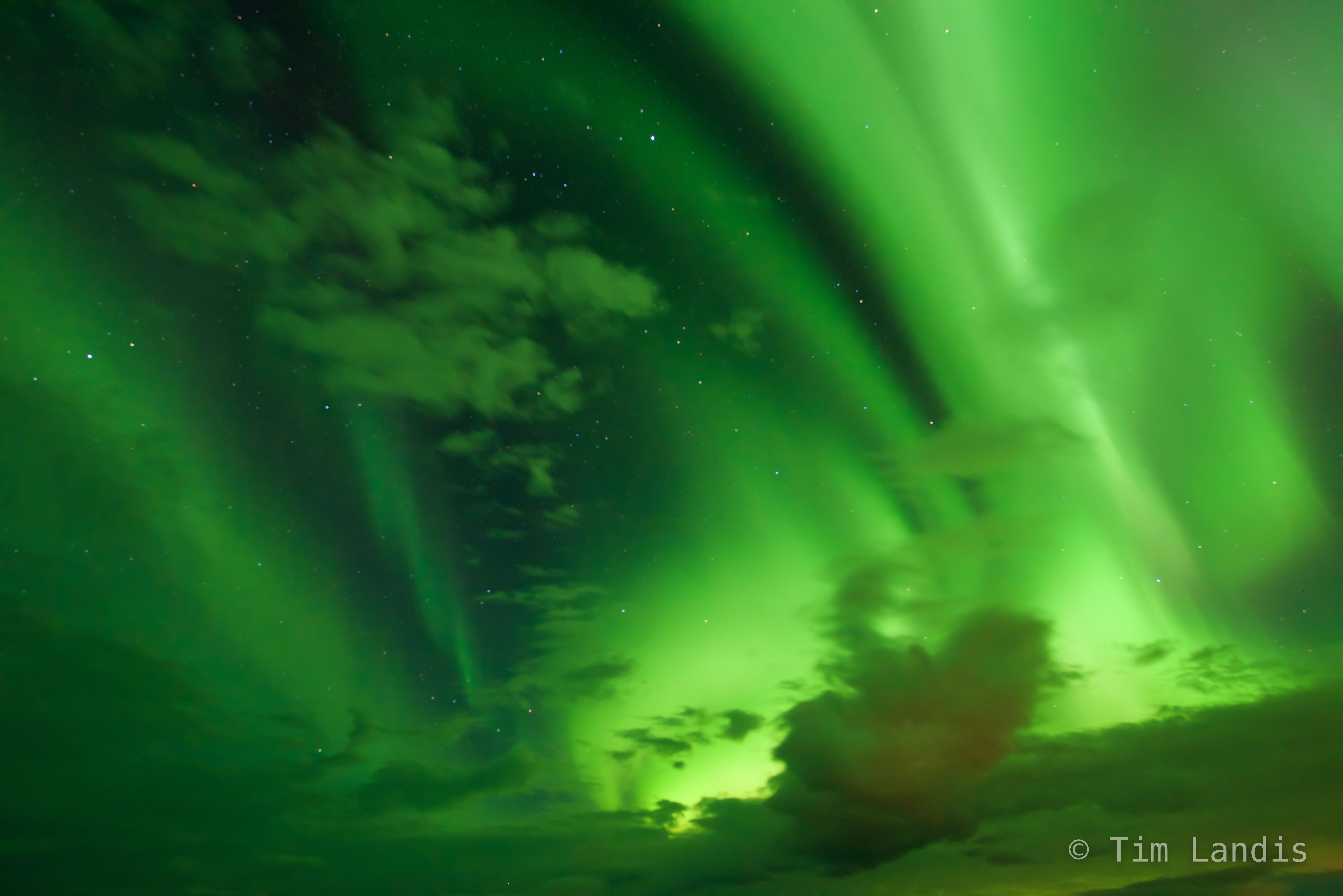 Aurora streams and dances