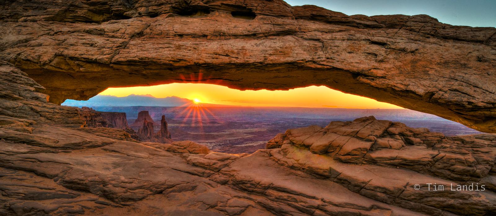 Grand mesa arch, La Sal mountains, mesa arch, photo